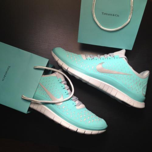 Un gioiello di scarpa: Nike Tiffany edition (2/2)