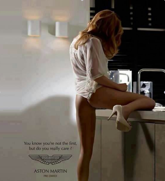 ADV: Aston Martin sceglie il sesso